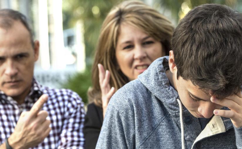 Десять ошибок, которые совершают родители подростков