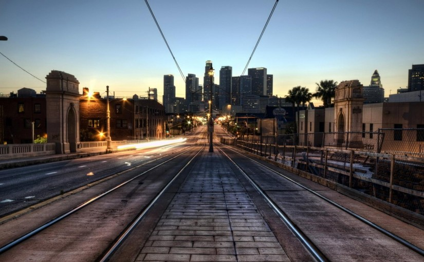 city-train-tracks-early-in-the-morning-302610