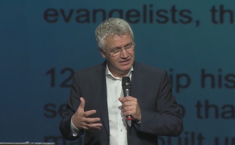 Пастор и демократия в церкви